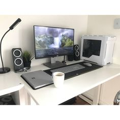 "73 Likes, 1 Comments - Mal - PC Builds and Setups (@pcgaminghub) on Instagram: ""An amazing white setup! I haven't really seen surface peripherals used in a setup before, and…"""
