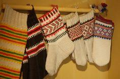 Lapland cultur Lapin kulttuuria - jasmi.kuvat.fi Skolt Sami knitting from Sevettijärvi, Finland
