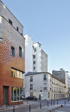 The Victor Gelez Community Centre  / Dumont Legrand Architects