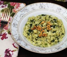 You can easily adapt this risotto with ingredients you have on hand; add mushrooms, peas, tomatoes, basil, or other veggies and herbs you may be craving Healthy Eating Recipes, Vegan Recipes, Cooking Recipes, Eat Healthy, Cauliflower Risotto, Main Meals, Food And Drink, Veggies, Vegetarian