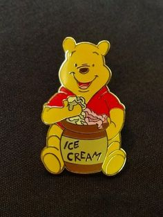 Disneys Trading Pin Winnie the Pooh Disneyland 2008 Soda Fountain GWP Hollywood
