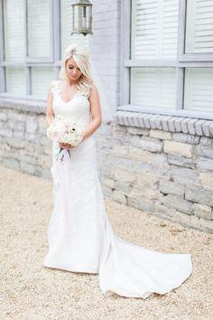 Photography : Kerry Bartlett Read More on SMP: http://www.stylemepretty.com/destination-weddings/2016/02/08/elegant-pastel-english-country-barn-wedding/