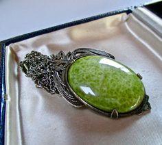 Jewellery Uk, Vintage Jewellery, Spring Hats, Light Dress, Green Agate, Brooch Pin, Celtic, Scotland, Gemstone Rings