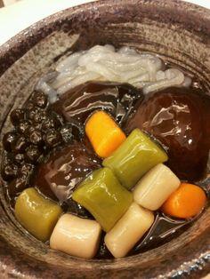 Taiwanese desserts.