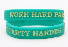 Gestaltet jetzt euer individuelles ownband Armband für eure Party als Geschenk oder sogar als Einlassband. Jetzt kreieren und direkt bestellen auf ownband.de #ownband #Armband #Party #DIY