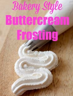 19 Amazing Cupcake Frosting Recipes That will TOTALLY Change Your Cupcakes! These amazing cupcake frosting recipes will make your cupcakes AMAZING! Cupcake Frosting Recipes, Homemade Buttercream Frosting, Cupcake Cakes, Buttercream Bakery, Crisco Frosting, Chocolate Frosting, Bakery Frosting Recipe, Crusting Buttercream Recipe No Shortening, Birthday Cake Frosting Recipe