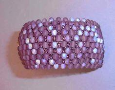 bluepearls Perlen: Capricho Beaded Necklace, Beaded Bracelets, Beaded Jewelry Designs, Peyote Beading, Beading Tutorials, Bead Weaving, Bead Crafts, Jewelery, Crystals