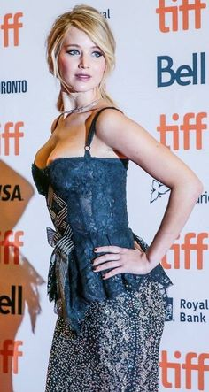 Jennifer Lawrence (American actress and film producer, born on August 1990 in Louisville, Kentucky, United States of America). Le Style Jennifer Lawrence, Jennifer Lawrence Movies, Beautiful Celebrities, Most Beautiful Women, Beautiful Actresses, Simply Beautiful, Christina Hendricks, Jennefer Lawrence, Happiness Therapy