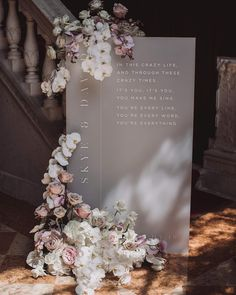 We can't help but obsess over this chic wedding signage by our go to's for all things acrylic decor, Sketch and Etch Creative 🙌🏻✨ – Styling… Chic Wedding, Wedding Table, Floral Wedding, Wedding Details, Wedding Ceremony, Dream Wedding, Trendy Wedding, Wedding Seating, Table Centre Pieces Wedding