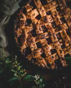 Bezlepková čokoládová torta s mascarpone - Recept - Lenivá Kuchárka Waffles, Breakfast, Fit, Basket, Mascarpone, Morning Coffee, Shape, Waffle