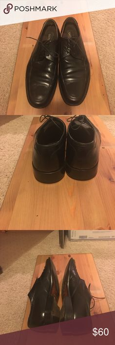 Men's Dress shoes by Eastland Black dress shoes by Eastland size 42 1/2 E, very good condition no scuffs or marks on the outside of the shoe bottom has some wear otherwise the shoes are awesome Eastland Shoes Loafers & Slip-Ons