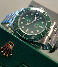 Buy the Rolex Submariner in stainless steel with green dial at GWS today. Rolex Watches For Men, Modern Watches, Luxury Watches, Men's Watches, Rolex Submariner Green, Rolex Datejust, Rolex Air King, Rolex Tudor, Expensive Watches