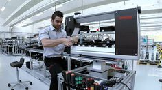 Love the look of the new Bernina longarm machine.  And LOVE LOVE LOVE the fact that the entire machine is assembled by one person!!!!!