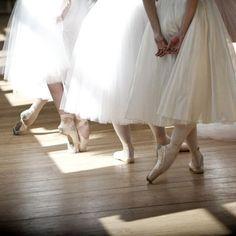 Ballet Poses, Ballet Art, Ballet Dancers, Ballerinas, Ballet Girls, Ballet Photography, Ballet Beautiful, Ballet Costumes, Beige Aesthetic