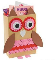 This adorable love bug will hold all your cards in one Valentine's bag. A great Valentine craft for the classroom, kids will love creating their o. Valentines Card Holder, Puppy Valentines, Valentine Day Boxes, Valentines Day Party, Valentine Day Crafts, Valentine Ideas, Homemade Valentines Day Cards, Kids Crafts, Owl Crafts