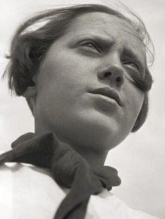 Alexander Rodchenko's experimental Pioneer Girl, 1930. #Rodchenko