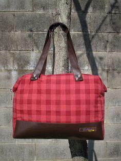 Bolsa Caixa - Vermelha - Edição Limitada R$139.00