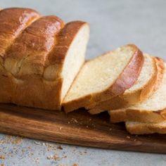 Brioche Bread Loaf Loaf Bread Recipe, Sandwich Bread Recipes, Naan Recipe, Loaf Recipes, Recipe Recipe, Portuguese Sweet Bread, Brioche Loaf, Bakery Packaging