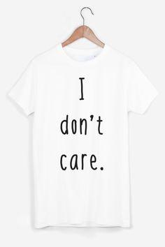 T-shirt en coton. Imprimé à la main et avec soin. Col rond 24e0fc078