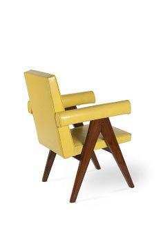 c. 1955 PIERRE JEANERET (1896-1967) Paire de fauteuils dit