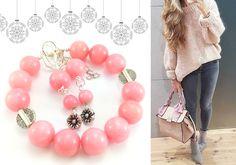 Pudrowy róż 🌸 zamknięty w kulach jadeitu w zestawie biżuterii 💎z kamieni naturalnych. Delikatnie i bardzo kobieco 💋. Pastelowe barwy idealnie komponują się z bielą, szarością i czernią- beże też nie są im obce. Ten i inne komplety biżuterii znajdziesz 🎁 https://ecobizuteria.pl/13-komplety-bizuterii #biżuteriarękodzieło #bizuteriahandmade #bizuteria #ecobizuteria #ecobizuteriapl #fashion #trendy #love #girl #beautiful #jewellery #bracelet #cute #like #style #moda #art #handmade