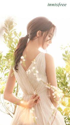 Yoona for Innisfree Kpop Girl Groups, Kpop Girls, Yoona Innisfree, Korean Girl, Asian Girl, Yoona Snsd, Good Looking Women, K Idol, Girls Generation