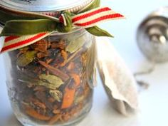 10 minute gift?  Not too bad...  Holiday Mulling Spices recipe in a simple gift jar. via @Cooking Channel
