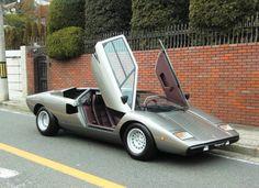 Lamborghini Countach 1977, such a radical design. i loved it! still do..