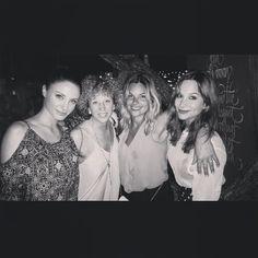 #ElisabettaFantone Elisabetta Fantone: Une belle fin de semaine avec des filles magnifiques! À bientôt. #Miami @kimrusk @ameliebsim @marianik