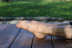 4 Exercises to Strengthen Your Ankles and Feet - Xero Shoes Foot Stretches, Barefoot Running, Running Tips, Exercises, Ankle, Health, Shoes, Jogging Tips, Zapatos