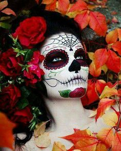 Hallowen Artistic and detailed Dia De Los Muertos make-up with red crystal accents by Ten. , Artistic and detailed Dia De Los Muertos make-up with red crystal accents by Ten. Artistic and detailed Dia De Los Muertos make-up with red crystal . Halloween Makeup Sugar Skull, Sugar Skull Makeup, Halloween Makeup Looks, Sugar Skulls, Candy Skulls, Rosto Halloween, Halloween Kostüm, Halloween Costumes, Terrifying Halloween