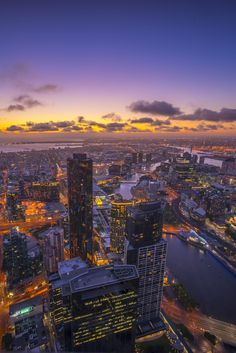 Aerial view of dramatic sunset at Melbourne city skyline Melbourne Australia City, Melbourne Skyline, Melbourne Tourism, Melbourne Street, City Aesthetic, Travel Aesthetic, Cool Places To Visit, Places To Travel, Australian Capital Territory