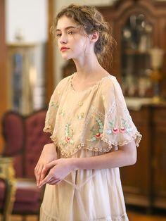 Vintage Outfits, Vintage Dresses, Vintage Fashion, Moda Vintage, Vintage Mode, Look Fashion, Girl Fashion, Fashion Dresses, Mori Girl