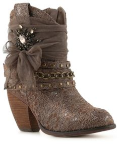 Not Rated Dixie Storm Western Bootie Short Cowboy Boots, Short Boots, Cowgirl Boots, Western Boots, Fab Shoes, Me Too Shoes, Ankle Booties, Bootie Boots, Harley Davidson Boots
