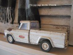 Cool white vintage Tonka truck
