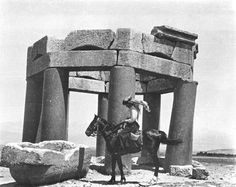 The British archaeologist and explorer Gertrude Bell (1868-1926) is best known for her travels in the countries that are now Turkey, Syria, Iraq and Saudi Arabia. She also helped draw up some of the Middle Eastern boundaries that are now being destroyed.