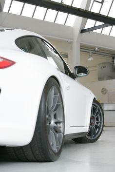 "Ultraleggera HLT 19"" Central Lock on Porsche GT3 RS #porsche Oz Ultraleggera, Gt3 Rs, Porsche 911 Gt3, Love Car, Car Wheels, Car Videos, Car In The World, Alloy Wheel, Vroom Vroom"