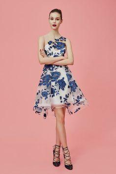 58338a94949 robe de soirée vintage courte asymétrique brodée bleu Robe Coktail Mariage