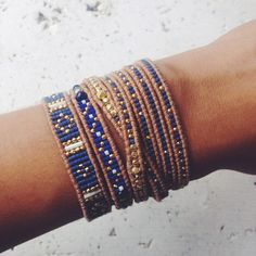 Inspiration for pattern with blue. MM Lapis Mix Single Wrap Bracelet on Beige Leather - Chan Luu Bead Loom Bracelets, Beaded Wrap Bracelets, Beaded Jewelry, Jewelry Bracelets, Handmade Jewelry, Jewellery, Loom Bracelet Patterns, Bracelet Designs, Beaded Leather Wraps