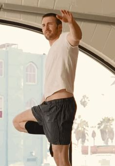 Chris Evans, doing yoga, in long black socks. Wow he is better than Mark Ruffalo and Kirsten Dunst! Christopher Evans, Pretty Men, Gorgeous Men, Beautiful People, Steve Rogers, Hemsworth, Natasha Romanoff, Hot Actors, Actors & Actresses