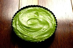 What is an avocadeese cake? It's like a cheese cake but made with avocados. Honestly the avocado cream tastes like yoghurt. Avocado Cream, Ripe Avocado, Ingredients For Biscuits, Junk Food, A Food, Matcha Tea Powder, Pecan Nuts, Green Tea Powder, Ginger Cookies