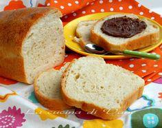Pan bauletto fatto in casa, ricetta per fare con le nostri mani il simil pan bauletto mulino bianco. Ricetta pane fatto in casa, ricetta lievitato