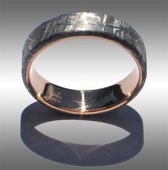 flat-topped Gibeon Meteorite Ring with 18k yellow Gold Lining and beautiful Widmanstatten pattern #weddingring