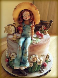 Sarah Key cake - by passionidizucchero @ CakesDecor.com - cake decorating website #provestra