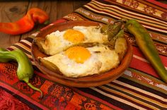 Roasted Hatch Chile Pepper Jack, Bacon and Eggs. I find it funny that this blog seems to be out of Arizona, and that AZ and CA both have 'chile dates' when Hatch chile arrive.