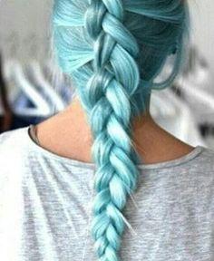 Pastel blue hair. Gaaah. It's perfection!