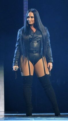 Pin on Lange stiefel Pin on Lange stiefel Demi Lovato Body, Demi Lovato Lesbian, Demi Lovato 2018, Demi Love, Demi Lovato Pictures, Curvy Women Fashion, Celebs, Celebrities, Girl Crushes