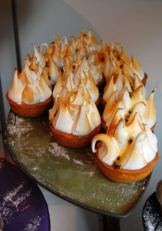 love the look of these passion fruit meringue tarts! The curd was excellent but too much meringue for my taste. Mini Desserts, Just Desserts, Dessert Recipes, Chefs, Ottolenghi Recipes, Passionfruit Recipes, Meringue, Cafe Food, Sweet Tarts