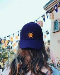 Trendy how to wear cute outfits disney Disney Trips, Disney Parks, Walt Disney, Disney Hat, Disney Magic, Bones Tumblr, Cute Hats, Bad Hair Day, Dad Hats