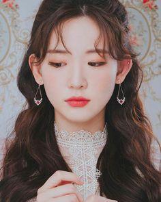 Korean Beauty Girls, Korean Girl Fashion, Asian Beauty, Ulzzang Korean Girl, Uzzlang Girl, Aesthetic People, Real Beauty, Girl Photography, Poses